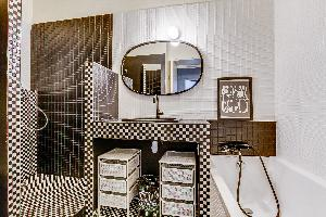 clean bathroom in Montparnasse - Premiere luxury apartment and vacation rental