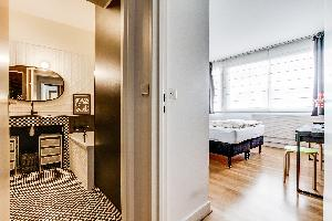 cool bathroom in Montparnasse - Premiere luxury apartment and vacation rental