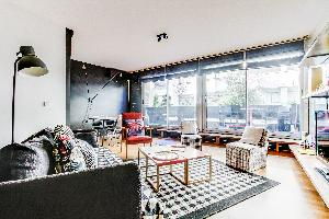 breezy and bright Montparnasse - Premiere luxury apartment and vacation rental