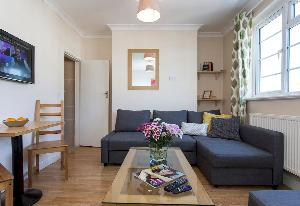 cozy Edgware Road luxury apartment and vacation rental