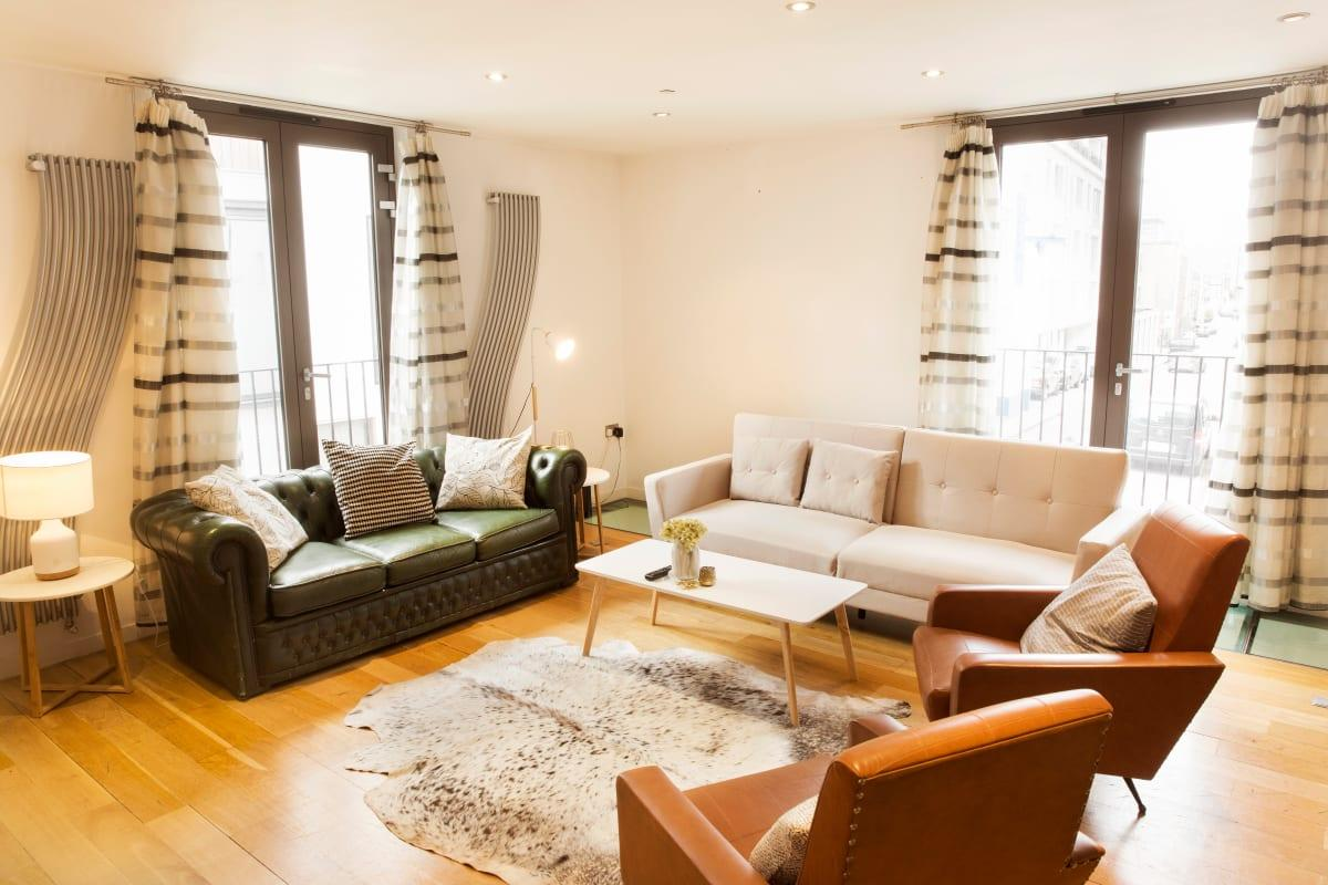 chic Holborn Lights luxury apartment and vacation rental