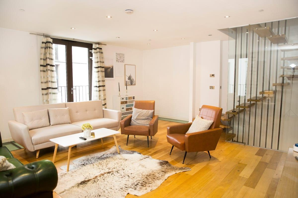 breezy and bright Holborn Lights luxury apartment and vacation rental