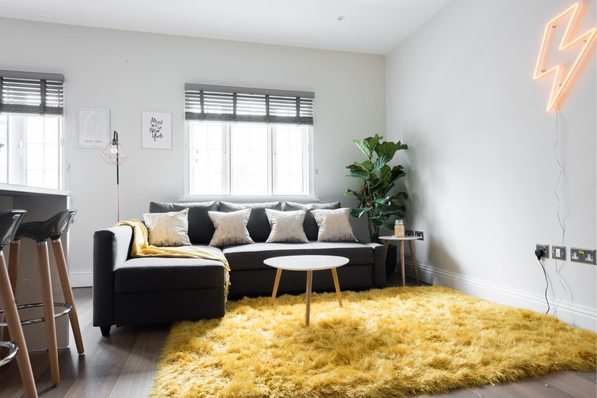 airy and sunny Soho Studio luxury apartment and vacation rental