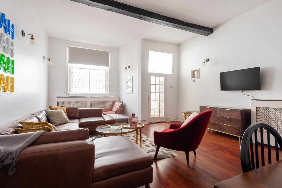 spacious South Kensington Mews luxury apartment and vacation rental