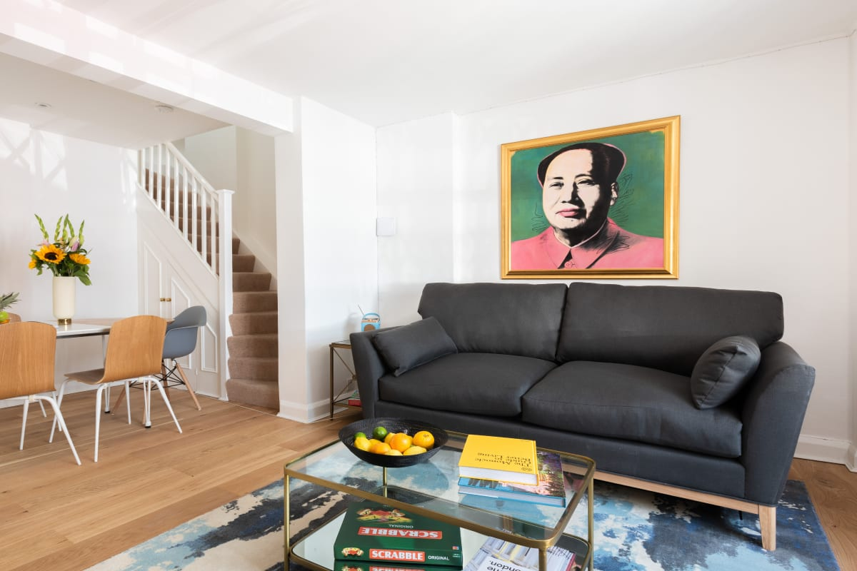 The King's Road Escape - Modern 2BDR Townhouse with Rooftop Terrace