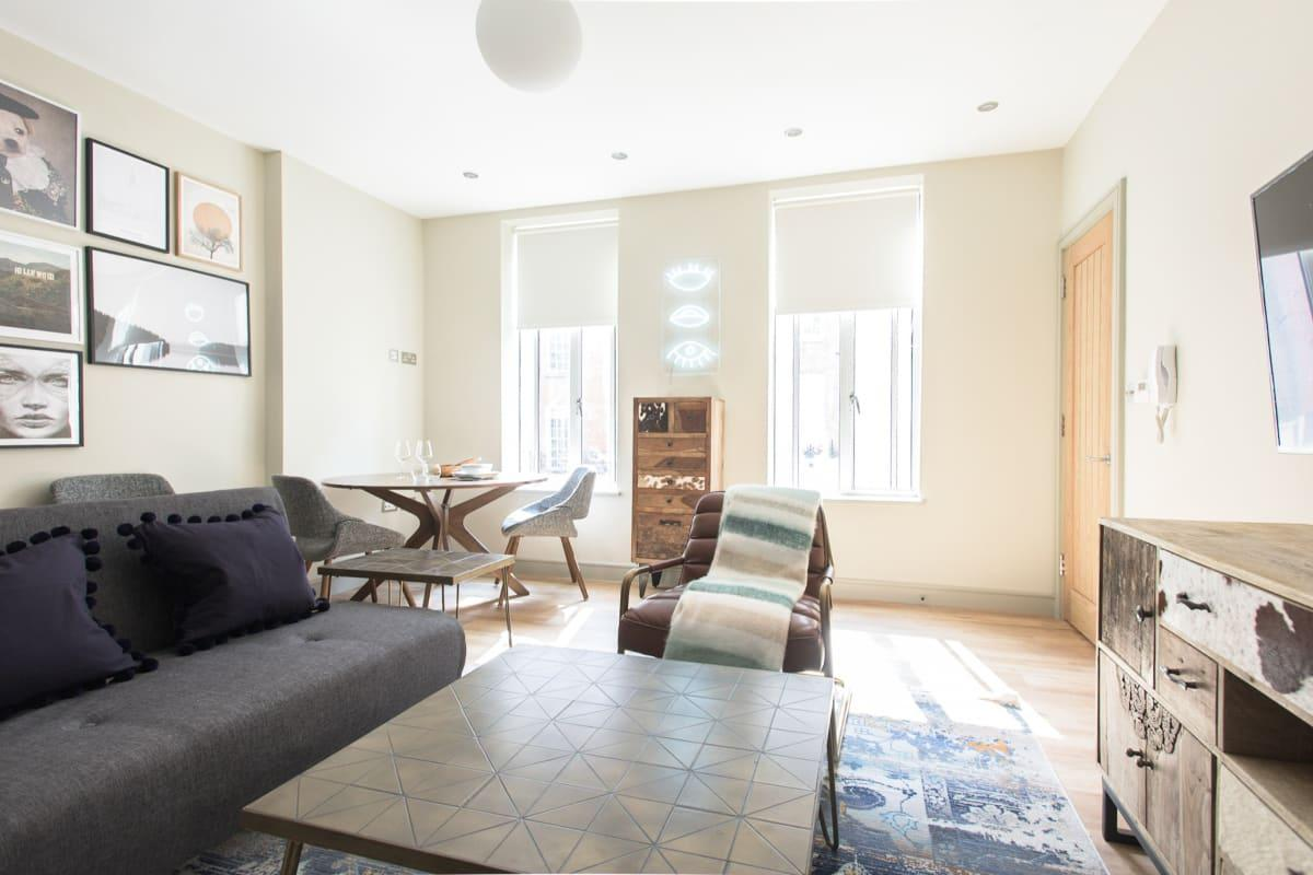 bright and breezy Mayfair Parade luxury apartment and vacation rental