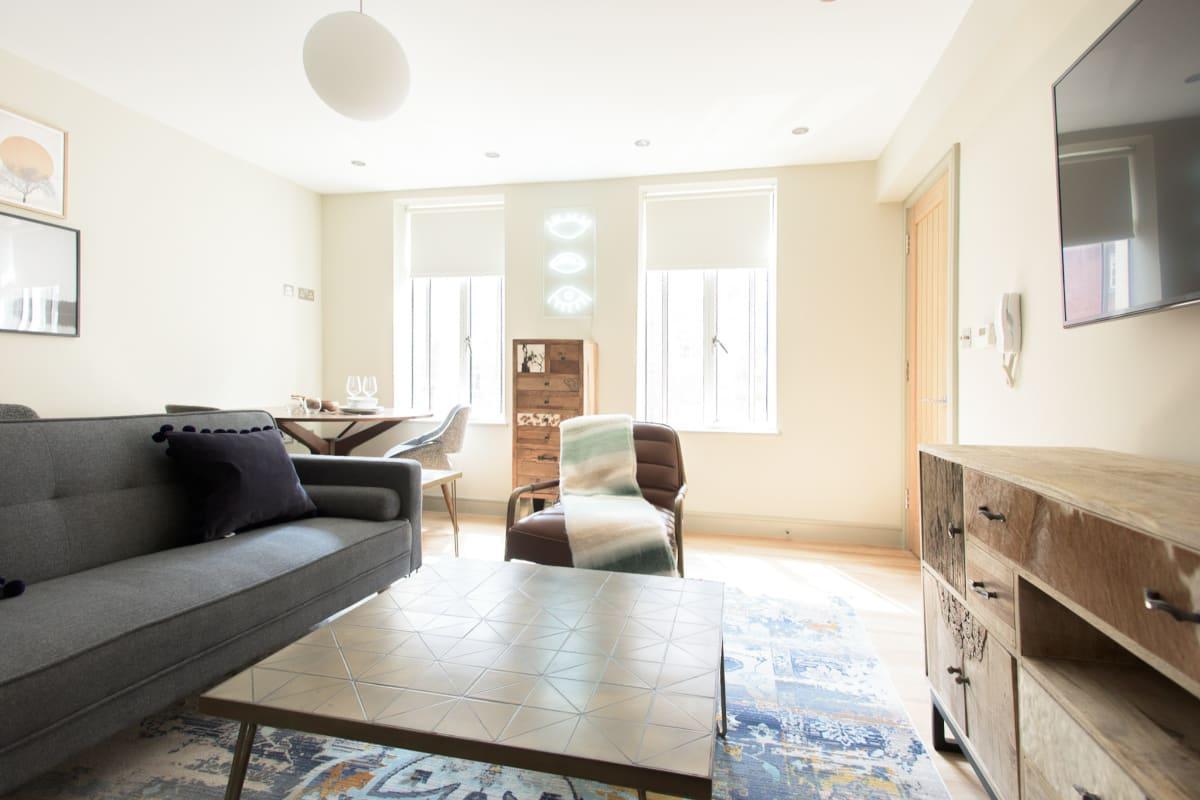 spacious New Bond Street Lo luxury vacation rental