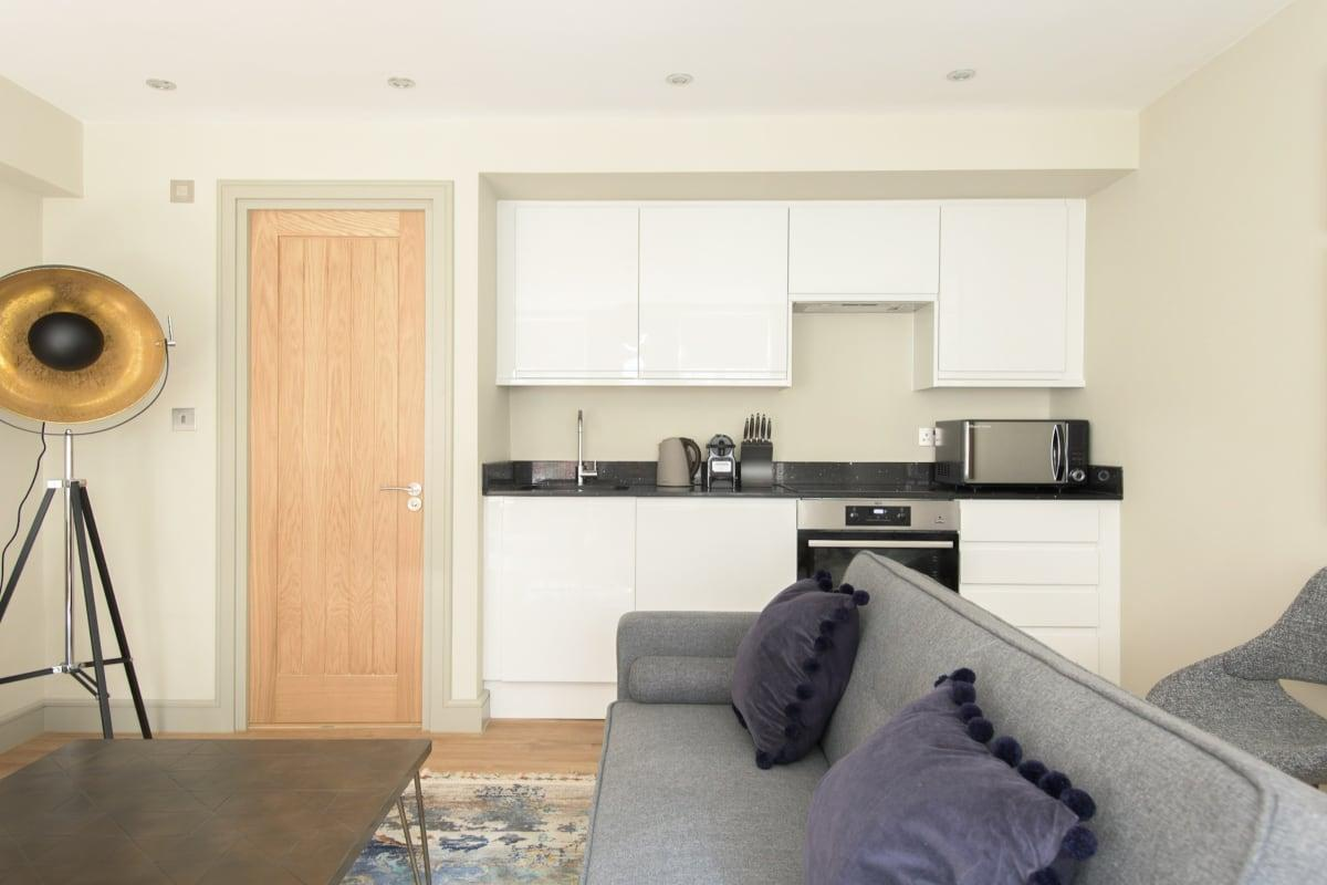 well-appointed New Bond Street Lo luxury vacation rental