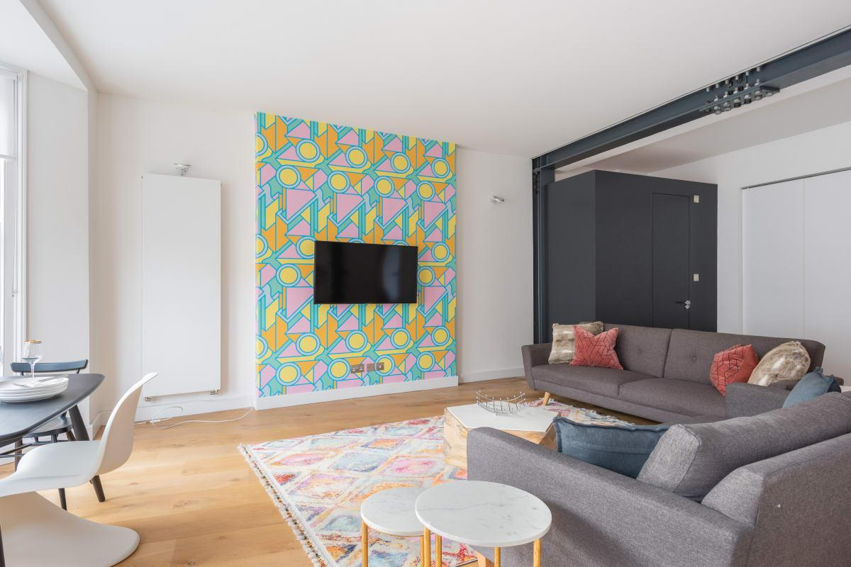 spacious Notting Hill Nook luxury apartment and vacation rental