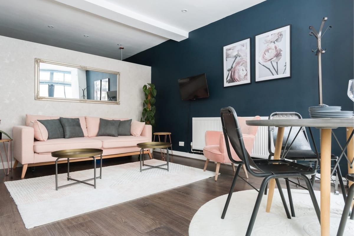 nice Paddington Studio luxury apartment and vacation rental