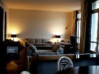 elegant living room of Tour Eiffel - Place des Etats Unis luxury apartment