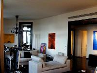 cozy living room of Tour Eiffel - Place des Etats Unis luxury apartment