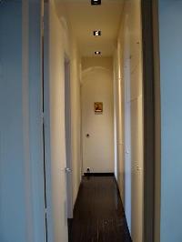 nice hallway in Tour Eiffel - Place des Etats Unis luxury apartment