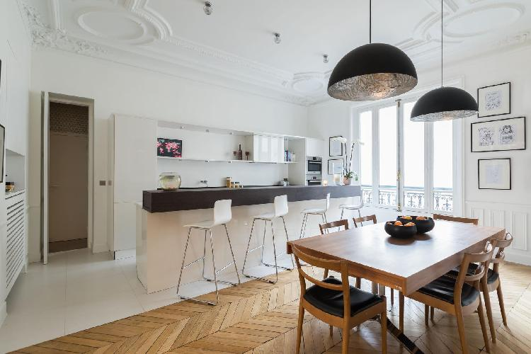 breezy and bright Champs-Élysées Rue du General Foy II holiday home and vacation rental