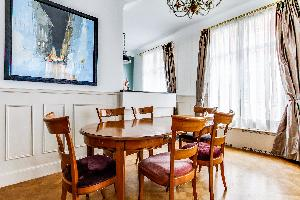 airy and sunny Marais - Francs Bourgeois luxury apartment