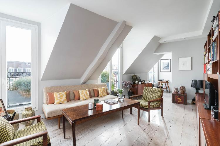 sunny and airy Louvre – Opéra - Rue du Sentier II luxury apartment