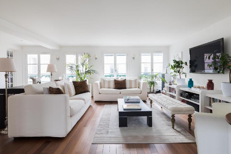 bright and breezy Saint-Germain-des-Prés - Rue de Verneuil II luxury apartment