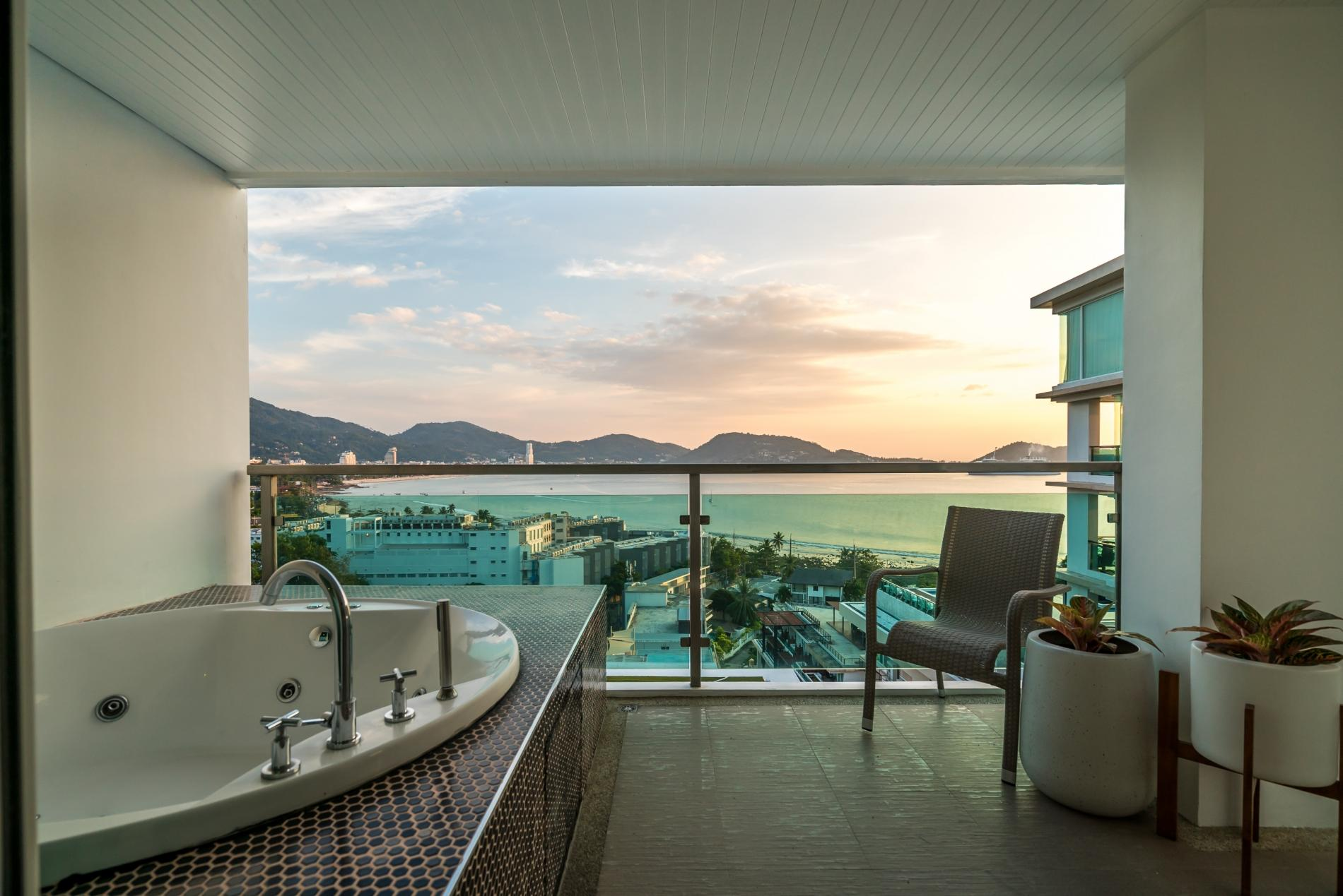 FULLY RENOVATED sea view apartment on Patong Bay