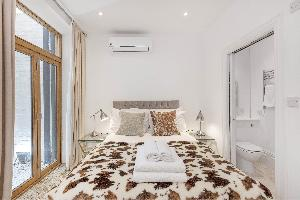 Comfort & convenience with Air Con
