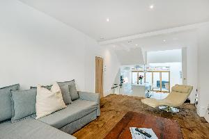 Exceptional 3 bed maisonette in Parsons Green