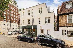 Cadogan Street · Walking distance to Sloane Square