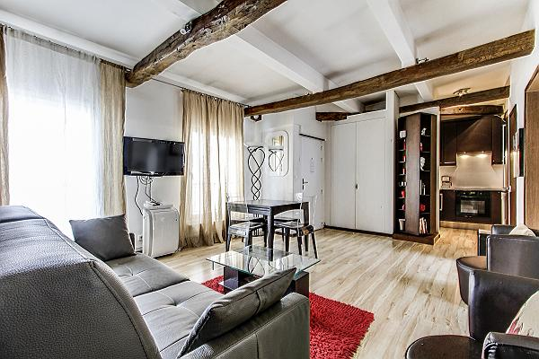 alluring 2-bedroom Paris luxury apartment