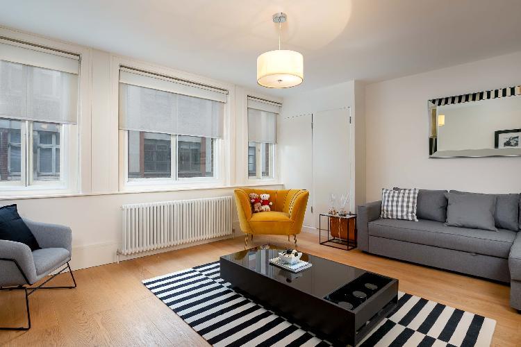 D'Arblay Street, splendid home by LOVELYDAYS