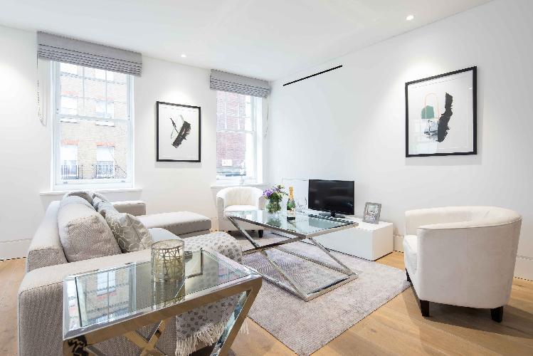 Romilly Street,  Splendid home by LOVELYDAYS