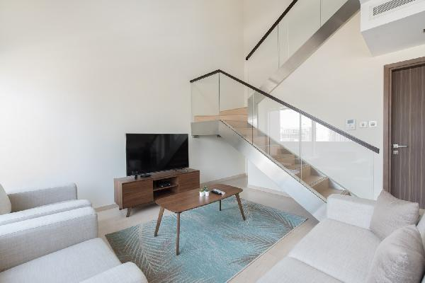 Modern Duplex Loft Apartment | 1 BR | Bay Square