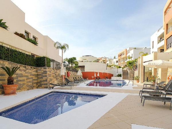 Samara 1 - Modern 2BR 3BA Duplex in Marbella, Heated Pool