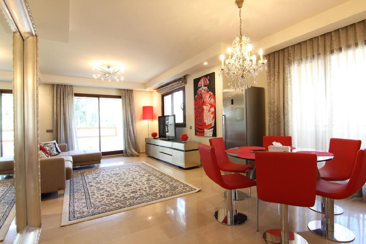 Medina Banus - Exquisite 2BR Apartment by Rafleys near Puerto Banus, A/?, Wifi