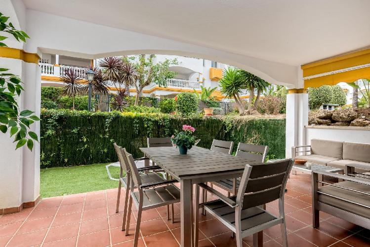 Dama de Noche by Rafleys - 4BR Garden Apartment in Puerto Banus