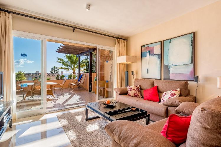 Malibu 6 -Lux. 2BR Sea View Condo in Club la Costa
