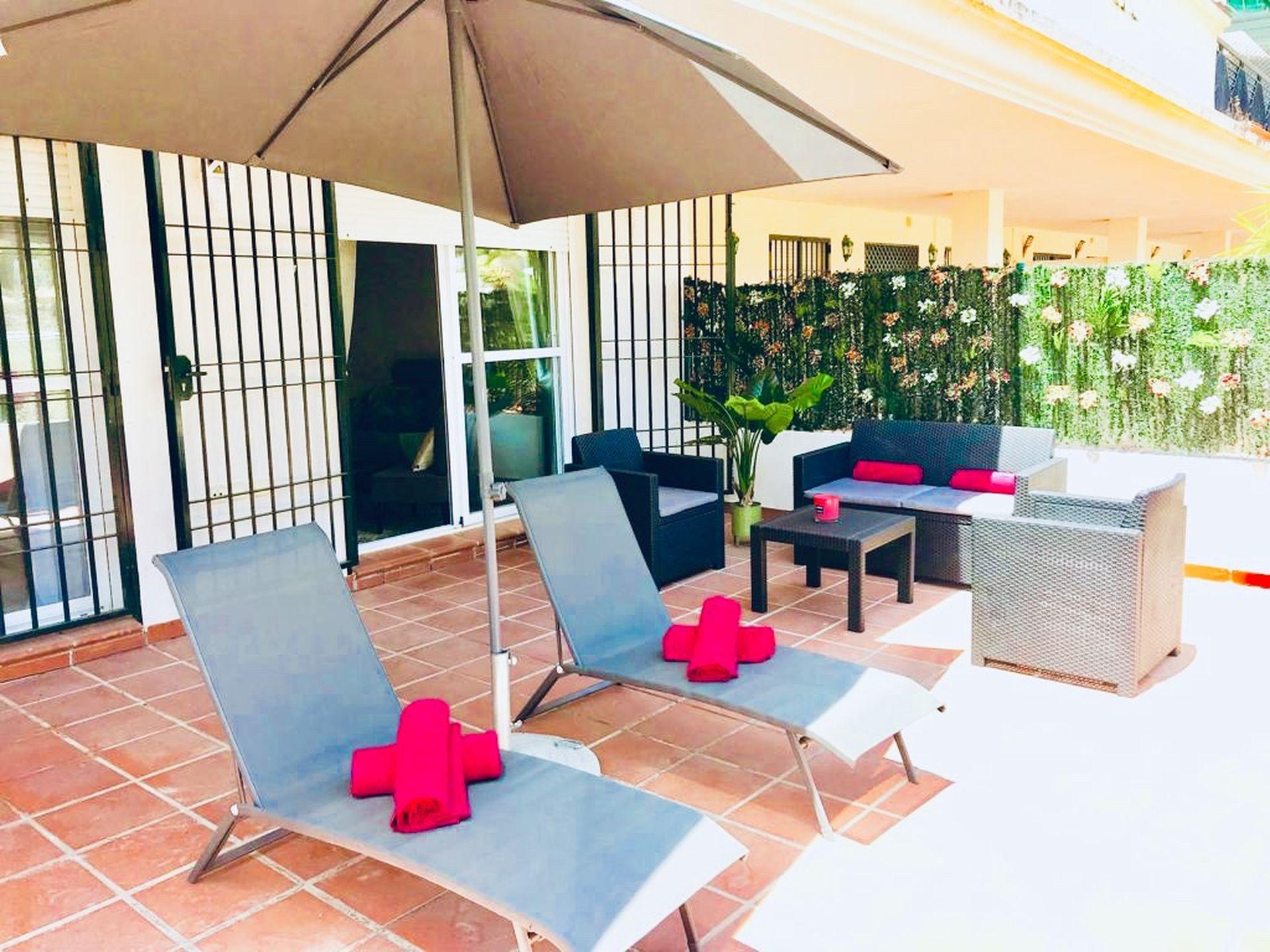 Leisure Joy Nueva Andalucia by Rafleys - Beautiful Newly Refurbished 2BR Garden Suite in Lorcrimar