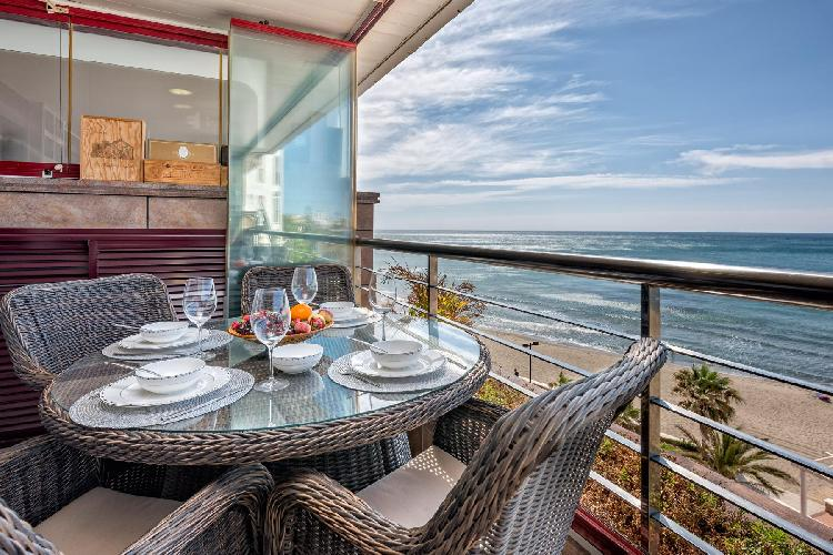Fuengirola Torreblanca by Rafleys - Magnificent 1st Line Beach Condo, Panoramic Sea Views