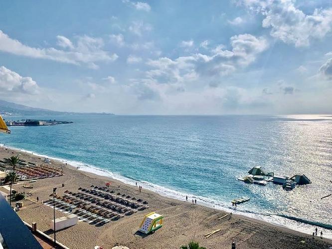 First Line Beach 3BR Apartment with Panoramic Sea Views by Rafleys, Fuengirola Promenade