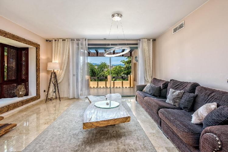 Fuentesanta by Rafleys - Lux. Beach Penthouse in Estepona in Private Access to El Campanario Golf Club