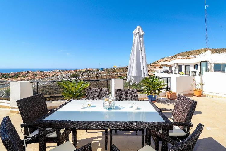 Hollywood Hills by Rafleys - Spectacular Penthouse Close to Golf with Large Terrace & Sea Views