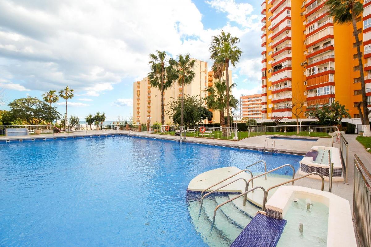 Benalmadena Costa II  by Rafleys- First Line Beach 1BR Apartment
