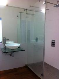 neat and trim bathroom in Corsica - Ajaccio Loft luxury apartment