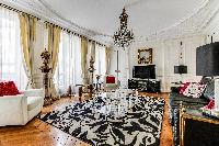 lovely Saint Germain des Pres - Rennes II luxury apartment and vacation rental