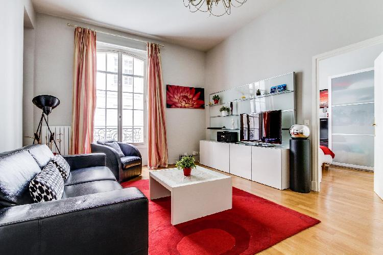 awesome Champs Elysées - Paul Baudry 1 bedroom luxury apartment