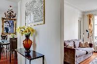 tastefully decorated 3-bedroom Paris luxury apartment