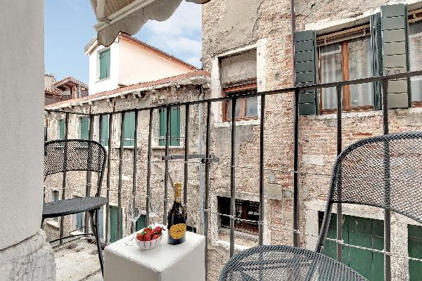 CA' GIORGIA VENICE  BALCONY APARTMENT WITH M0270423817