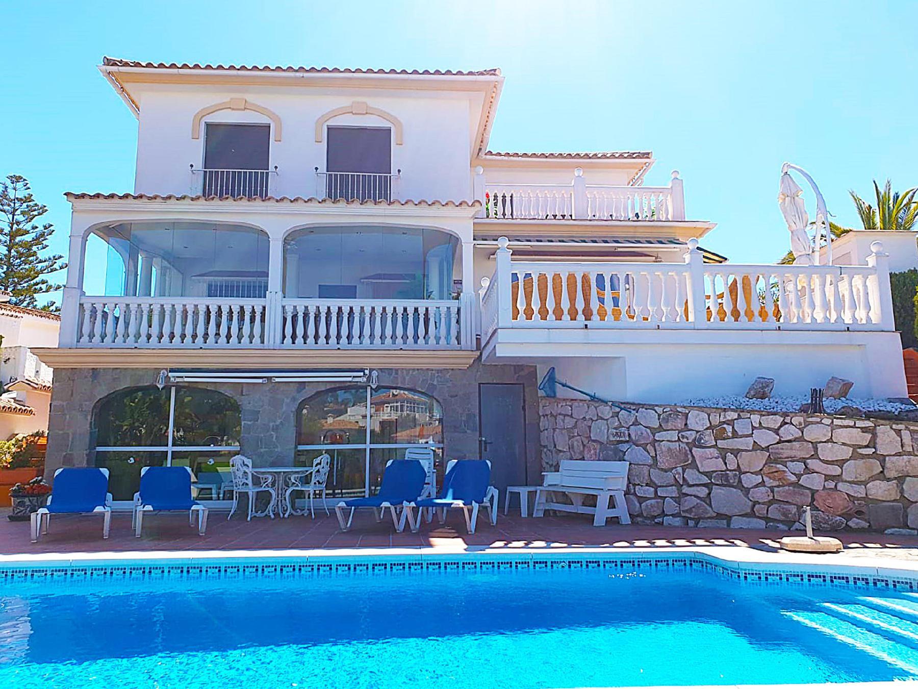 Villa Codona La Cala de Mijas- private villa with heated poo only few minutes driving between Marbella and Fuengirola