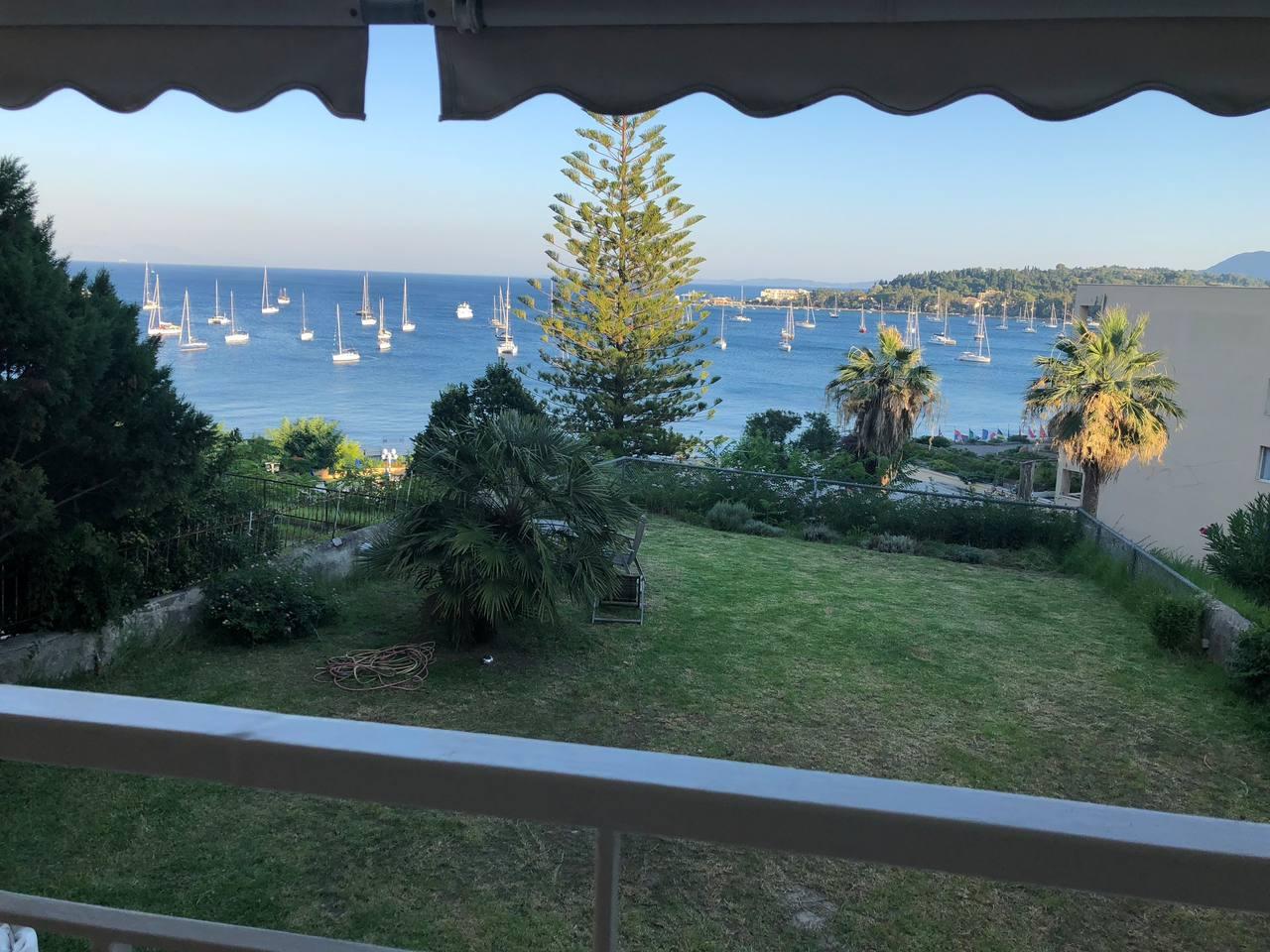 ?Luxury apartment  w/ sea view, garden, parking.?