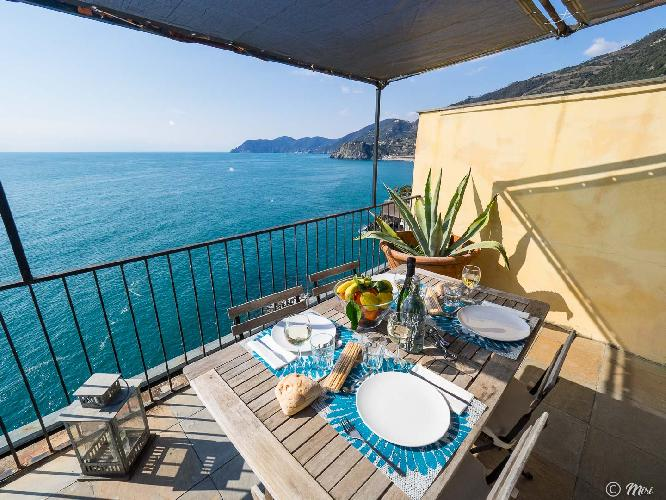 La Lampara Sea View Terrace Apartment with AC