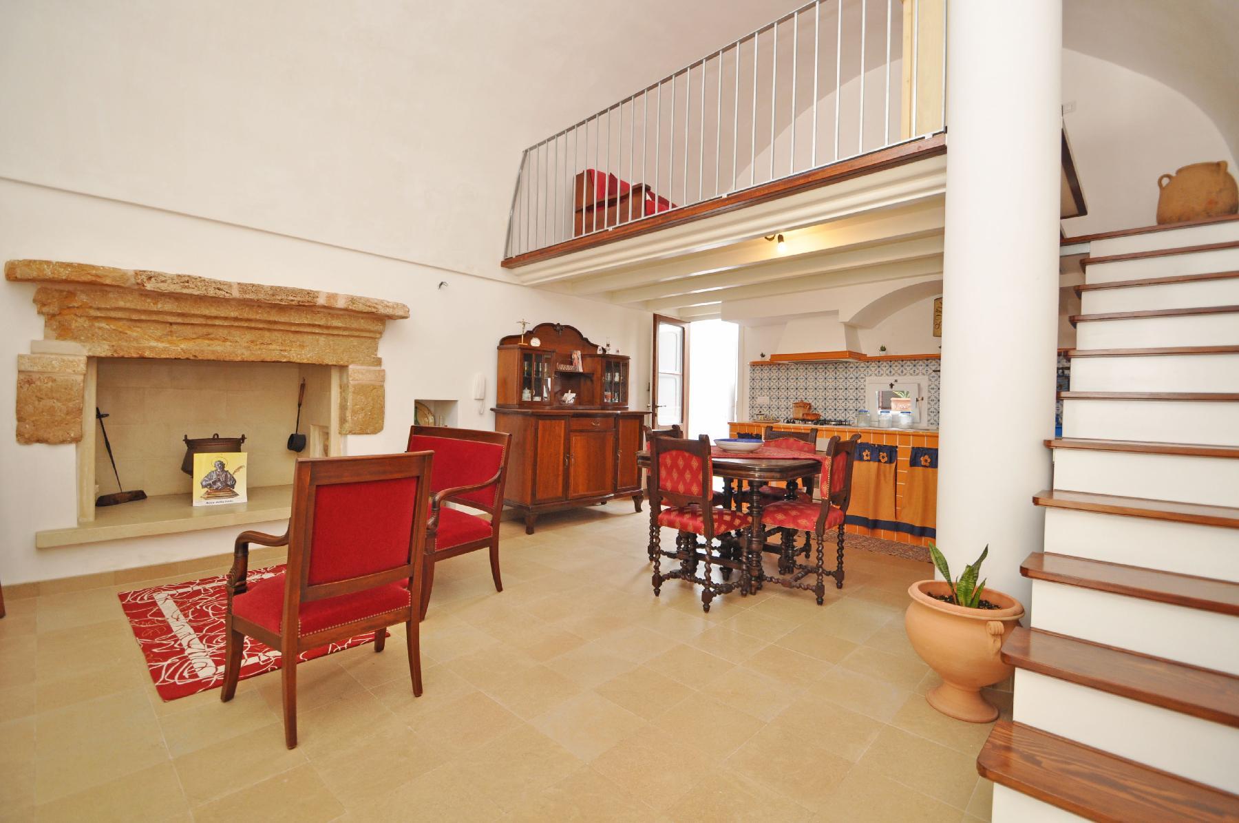 APULIA - BEAUTIFUL HOUSE IN OLD TOWN - CORTE SANTA MARIA 1