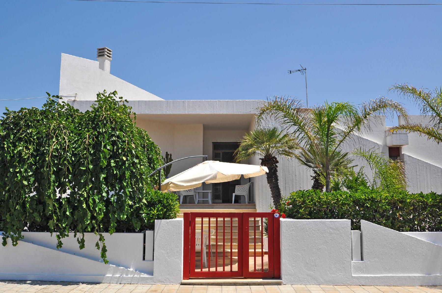Villa con ampi spazi interni ed esterni, vicina al mare - VILLA LAVINIA