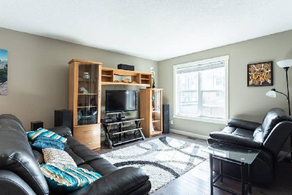 Upscale Townhome,Hospital,YMCA,Spruce Meadows